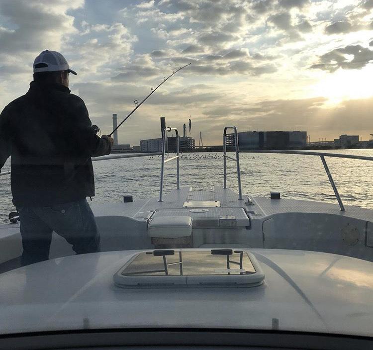 釣り船で海釣り